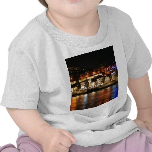 Río del Duero en Oporto, Portugal Camiseta