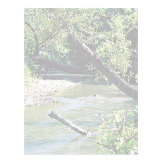 Río del remache escénico membrete
