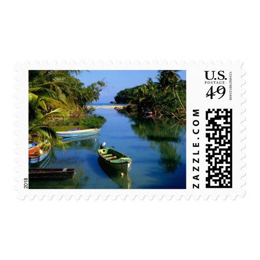 Río escénico cerca de Ocho Rios en Jamaica Estampilla