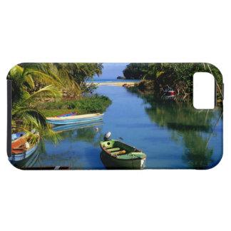 Río escénico cerca de Ocho Rios en Jamaica Funda Para iPhone 5 Tough