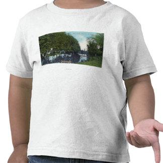 Río escénico con la canoa SceneEugene, O Camisetas
