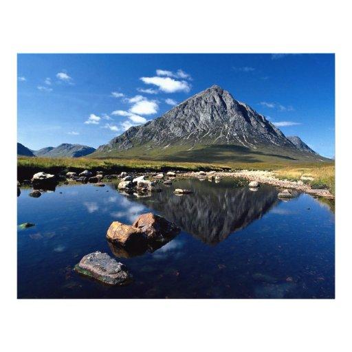 """Río Etive, MOR de Buchaille Etive, escocés Highlan Folleto 8.5"""" X 11"""""""