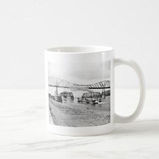 Río Misisipi en Winona, 1880s Taza De Café