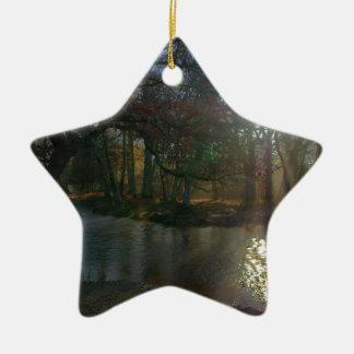 Río oscuro adorno de cerámica en forma de estrella