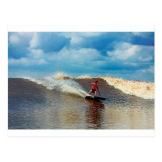 Río que practica surf el diámetro interior de postales