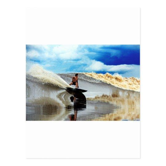 Río que practica surf la onda Sumatra del diámetro Postales