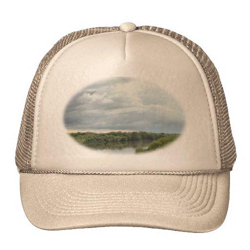 Río tempestuoso gorras
