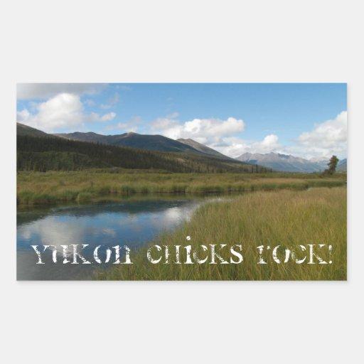 Río tranquilo; ¡ROCA de los polluelos del Yukón! Pegatina