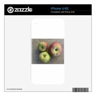 Ripe apples iPhone 4S decals