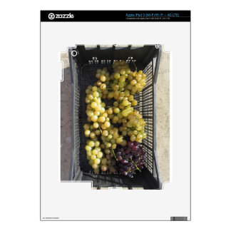 Ripe grapes in box skins for iPad 3