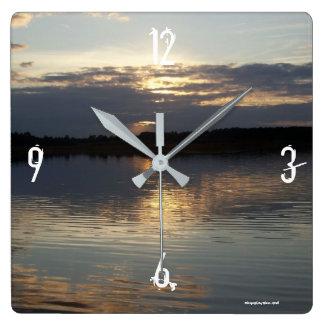 Rippling lake clock