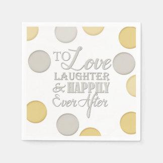 Risa del amor feliz nunca después de casar la servilleta de papel