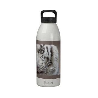 Risa del tigre blanco botella de agua reutilizable