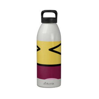risa impresionante de la cara botellas de beber
