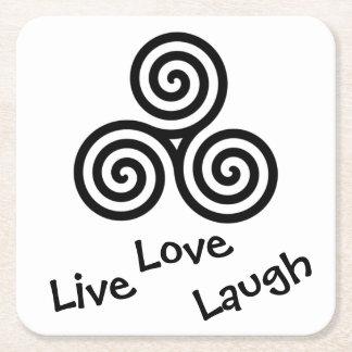 risa viva del amor del espiral triple negro en posavasos de cartón cuadrado