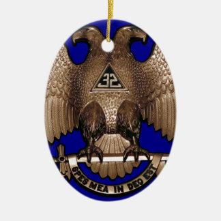 Rito escocés azul real de 32 grados adorno navideño ovalado de cerámica