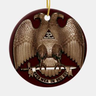 Rito escocés rojo de Eagle del doble del albañil Adorno Navideño Redondo De Cerámica