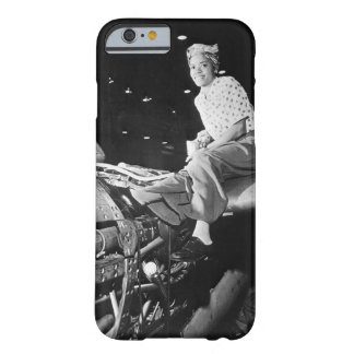 Riveter at Lockheed Aircraft Corp_War image Barely There iPhone 6 Case