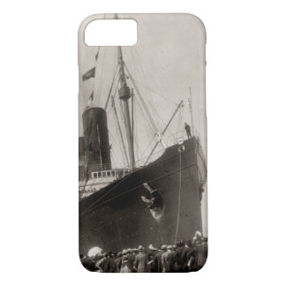 RMS Lusitania arrives New York City 1907 iPhone 7 Case