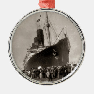RMS Lusitania arrives New York City 1907 Metal Ornament