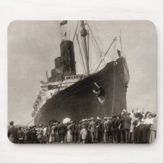 RMS Lusitania arrives New York City 1907 Mouse Pad