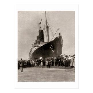 RMS Lusitania arrives New York City 1907 Postcard