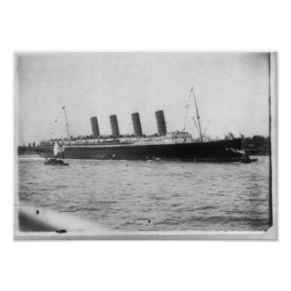 RMS LUSITANIA Maiden Voyage 1907 in New York Poster