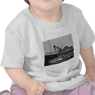 RMS olímpico en la diapositiva de cristal 1911 del Camiseta