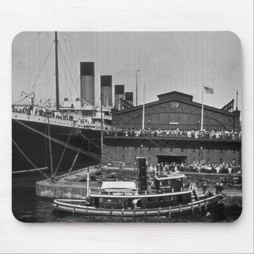 RMS olímpico en la diapositiva de cristal 1911 del Tapetes De Raton