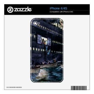 RMS Titanic Escape to the Lifeboats Quickly! Skin For iPhone 4S