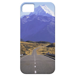 Road into Mount Cook National Park, New Zealand iPhone SE/5/5s Case
