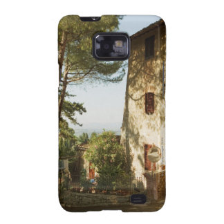 Road mirror in front of a building, San Galaxy SII Cases