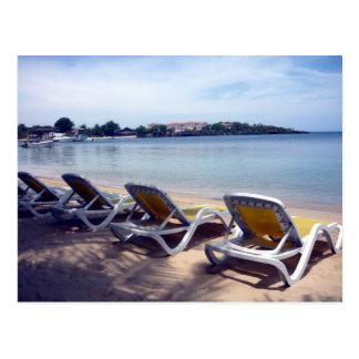roatán relax postcard