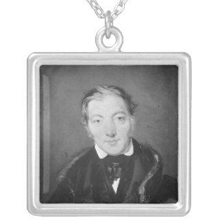 Robert Owen Collar Plateado