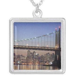 Roberto F. Kennedy Bridge Pendientes Personalizados