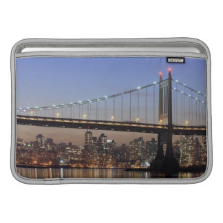 Roberto F Kennedy Bridge Fundas MacBook