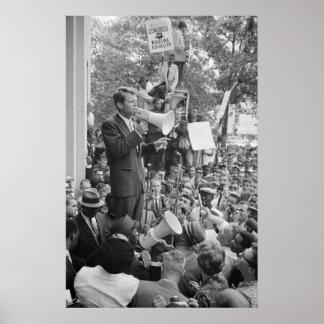 Roberto F. Kennedy en el discurso de la reunión de Poster