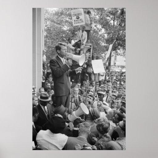 Roberto F. Kennedy en el discurso de la reunión de Póster
