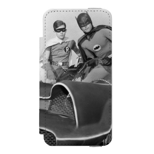 Robin and Batman Standing in Batmobile Wallet Case For iPhone SE/5/5s