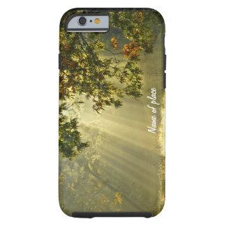 Roble con los rayos de sol de la mañana funda de iPhone 6 tough