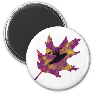 roble de la púrpura del kajak imán redondo 5 cm