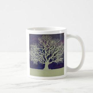 Roble en invierno taza
