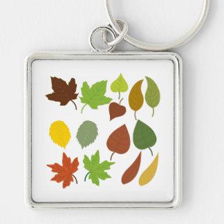 Roble y hojas de arce llavero cuadrado plateado