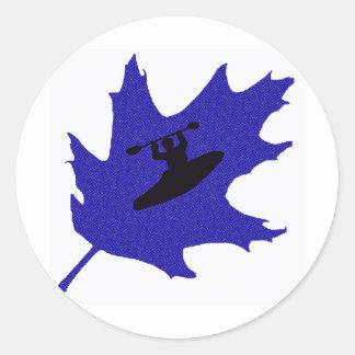 robles del azul del kajak pegatina redonda