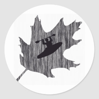 Robles nebulosos del kajak pegatina redonda