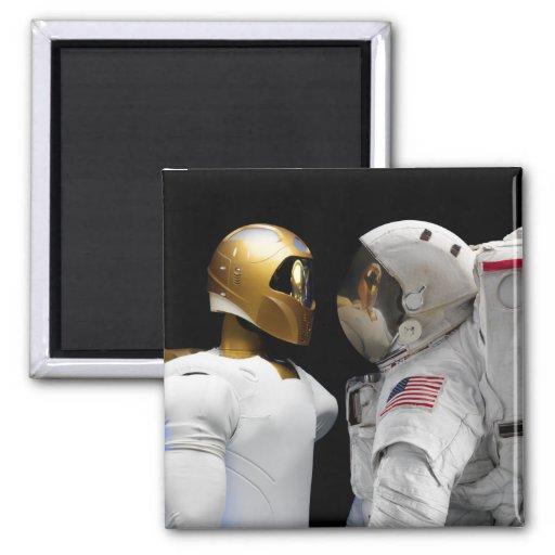 Robonaut 2, un diestro, hel 3 del astronauta del imán cuadrado