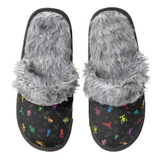 Robot patterned Slippers Pair Of Fuzzy Slippers