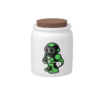 Robot verde platos para caramelos