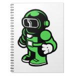 Robot verde libretas espirales