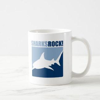 Roca #2 de los tiburones taza básica blanca